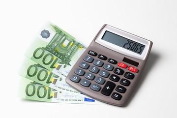 Euroscheine, Euromünzen und taschenrechner