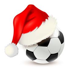 Fußball mit Nikolaus-Mütze