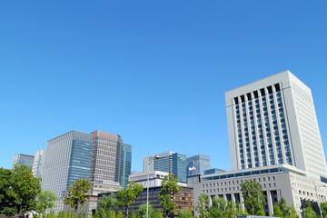 オフィスビル・青空