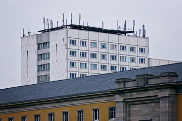 Alter Wohnblock aus DDR-Zeiten – Weimar