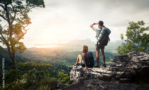 Fotobehang Alpinisme Hikers