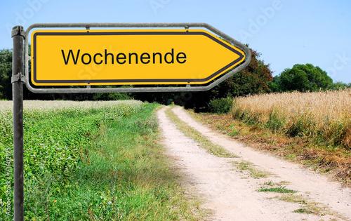 canvas print picture Strassenschid 21 - Wochenende