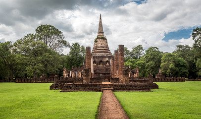 Wat Chang Lom in Srisatchanalai historical park ,Thailand