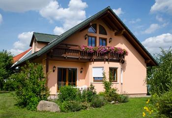 schönes Einfamilienhaus mit Balkon