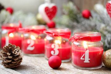 Weihnachtsmotiv Adventskerzen