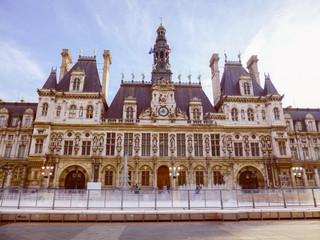 Retro look Hotel de Ville Paris