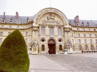 Retro look Hotel des Invalides Paris