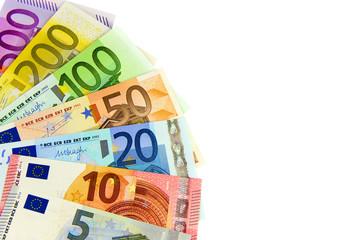 Ein Fächer mit Euro-Geldscheinen auf Weiß