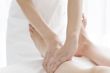 Massage can be expected the effect skinny legs