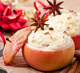 Baked apples with honey cream cheese, raisins and nuts