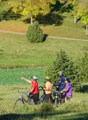 den Herbst beim Radeln genießen