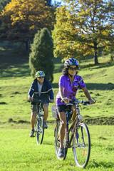 Beim Radfahren im Herbst