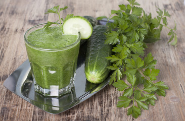 Smoothie of cucumber, parsley and celery.
