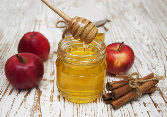 fresh honey with   apples
