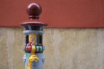 Graffiti en un pilón