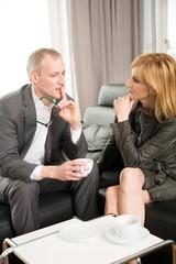 Ehepaar im Gespräch