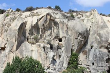Вид на скальный монастырь