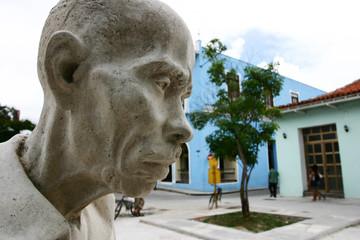 statue of an old Cuban man