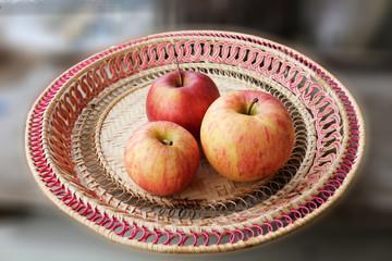 three royal apples