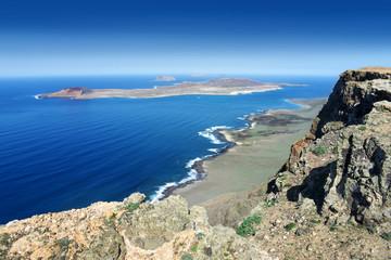 Lanzarote - Blick vom Famara Kliff nach La Graciosa