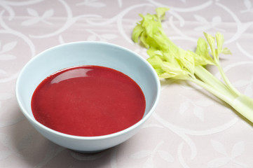 Rote Betesuppe