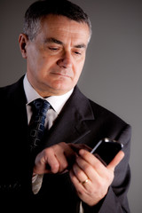 I'm an expert manager with my mobile phone