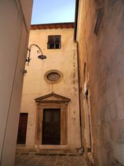 Antigua Calle, Luca, Italia
