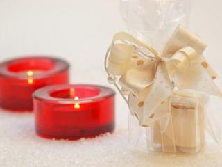 Weihnachtsdekoration mit Geschenk