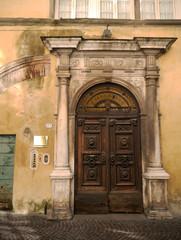 Entrada palacio, Lucca, Toscana