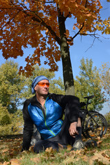 Relaxing bicyclist