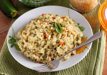 risotto primavera con verdure assortite