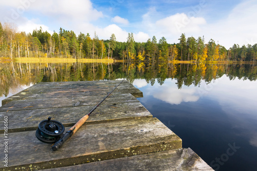 Keuken foto achterwand Vissen Autumn fly fishing in the lake