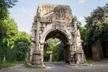 Arco di Druso facciata esterna - Roma