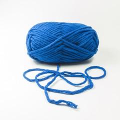 Knäuel Wolle in blau