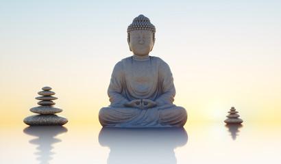 Buddhastatue und Steintürme