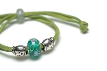 green bracelect