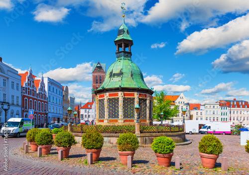 Leinwandbild Motiv Market Square in the Old Town of Wismar, Germany