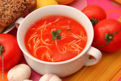 canvas print picture Tomatensuppe mit Nudeln