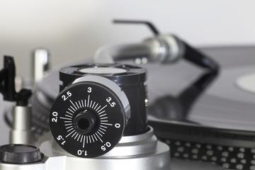 Schallplattenspieler von hinten