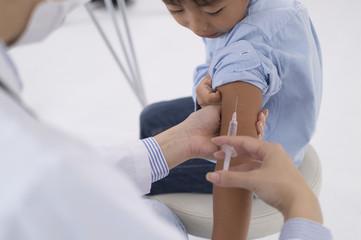 Children get vaccinated