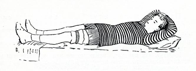 Rubber tourniquet on left thigh