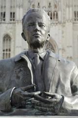 buste Baudouin, roi des Belges place Sainte-Gudule à bruxelles