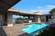 Leinwanddruck Bild - Patio con piscina