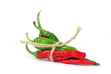 Chilis geschnürt