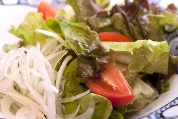 salat mit liebe garniert
