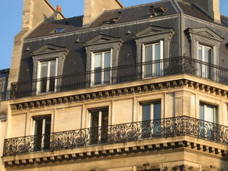 Immeuble haussmannien typique - Paris