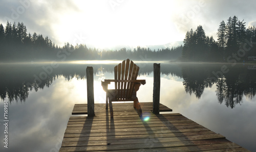 Fotobehang Meer Chair on Dock at Alice Lake in Late Afternoon