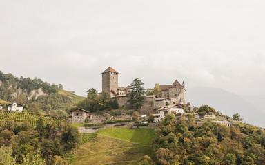 Meran, Vinschgau, Schloss Tirol, Herbst, Südtirol, Italien