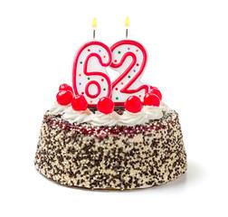 Geburtstagstorte mit brennender Kerze Nummer 62