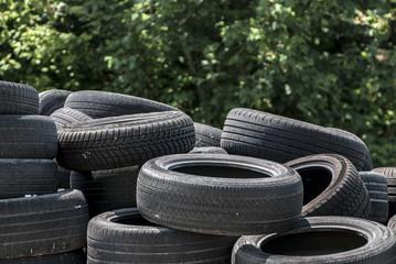 Mucchio di pneumatici